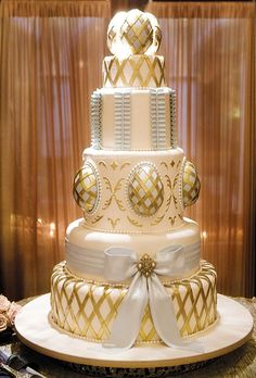 Brides: Katherine and Andres in Windermere, FL : Bake Me Cake did this cake from a drawing by the bride Katherine.