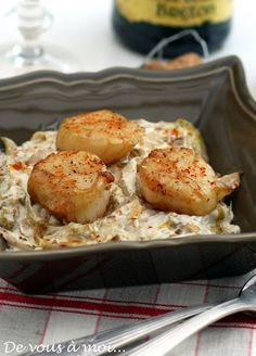 Da te a me: Coquilles St Jacques Cr . Fish Recipes, Seafood Recipes, Cooking Recipes, Healthy Recipes, Salty Foods, How To Cook Fish, Fish Dishes, Clean Eating Snacks, Food Inspiration