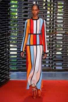 Roksanda Spring 2019 Ready-to-Wear Fashion Show Collection: See the complete Roksanda Spring 2019 Ready-to-Wear collection. Look 13 Live Fashion, Fashion 2017, Couture Fashion, Runway Fashion, Spring Fashion, Autumn Fashion, Fashion Tips, Fashion Trends, Latest Fashion