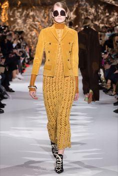Acne Studios Fall 2017 Ready-to-Wear Collection Photos - Vogue Knit Fashion, Fashion Week, Fashion 2017, Runway Fashion, High Fashion, Winter Fashion, Fashion Trends, Vogue, Moda Crochet