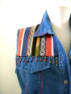 Vintage 80s 90s Blue Chambray Blouse with Navajo Woven Fabric / Sleeveless Blue Jean Vest Top / Blue Southwestern Blouse / Medium