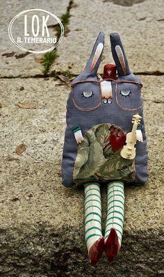 Il pupazzo LOK e le avventure con Cassandra by Claudia Bordin, via Flickr.