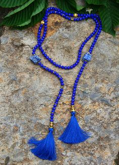 Necklace with quartz stone Tassel Jewelry, Fabric Jewelry, Jewelry Art, Beaded Jewelry, Jewelry Accessories, Jewelry Necklaces, Jewelry Design, Blue Necklace, Diy Necklace