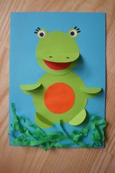 para crianças Rana origami con ruedas Origami frog with wheels - Summer Crafts For Kids, Paper Crafts For Kids, Spring Crafts, Hobbies And Crafts, Diy For Kids, Diy And Crafts, Craft Activities, Preschool Crafts, Preschool Kindergarten