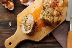 Filet mignon de porc farci aux herbes et au pain / Pork tenderloin stuffed with herbs and bread