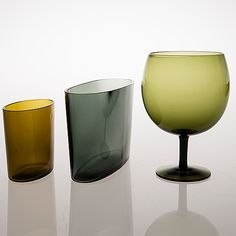 SAARA HOPEA - Two glass vases, 'SH and an oversized aroma glass, Nuutajärvi Notsjö. Design year 1958 and Finland. Two vases, length and 20 cm.