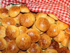Anijsbroodjes, ik vind deze broodjes zo lekker en het leuke aan deze broodjes is, dat je ze kunt invriezen en super zacht blijven. Dit recept komt van Fatima van Kookhoekje van xFaatje