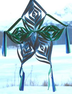 Parol (Filipino Christmas Lantern)  This will be a good craft project to make with the kids next Christmas.
