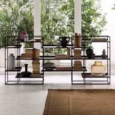 Libreria bassa in metallo Crosser - ARREDACLICK Shelf Furniture, Home Furniture, Furniture Design, Diy Outdoor Kitchen, Interior Decorating, Interior Design, Shelf Design, New Living Room, Display Shelves