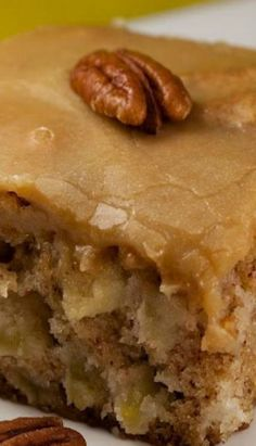 Apple Cake: Ingredients: 1 c vegetable oil 2 c sugar 3 eggs 3 c flour 1 tsp baking soda 2 tsp vanilla extract 1 c chopped pecans 3 c peeled and chopped apples Instructions: Preheat oven to 350 degrees. Grease a 9 x pan. Apple Cake Recipes, Easy Cake Recipes, Baking Recipes, Quick Recipes, Apple Cakes, Apple Sheet Cake Recipe, Chocolate Apple Cake Recipe, Old Fashioned Apple Cake Recipe, Honey Recipes