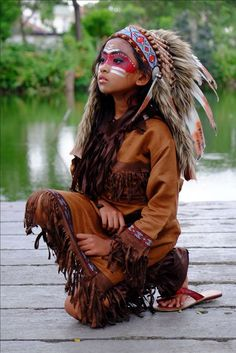 one wtf? American Indian Girl, Native American Girls, Native American Images, Native American Beauty, Indian Girls, American Indians, Native American Face Paint, Indian Makeup, Indian Beauty
