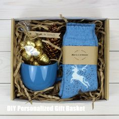 DIY Personalized Gift Baskets DIY Personalized Gift Basket For Anyone, Girlfriend, Kids, Mom Etc - Owe Crafts Christmas Gift Box, Craft Gifts, Diy Gifts, Holiday Gifts, Christmas Crafts, Christmas Gift Baskets, Homemade Christmas, Christmas Ideas, Personalised Gifts Diy