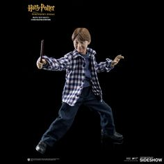 The Ron Weasley (Casual Wear) Sixth Scale Figure by Star Ace Toys is now available at Sideshow.com for fans of Harry Potter and the Sorcerer's Stone.