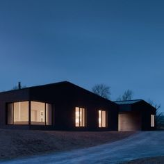 John Pawson has completed the seventh property in Alain de Botton's Living Architecture series