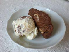 Eis aus Milch und Keksen *