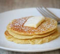 Skinny pancakes | no flour. 2 egg whites. 1/2 cup uncooked oatmeal. 1/2 banana. 1/2 tsp vanilla extract (optional). Put all ingredients in a blender. Blend on high for 15-20 seconds. Spray a griddle or skillet with non-stick spray.