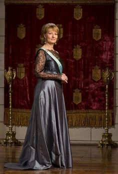 Her Royal Highness Margareta, Custodian of the Romanian Crown. Gala Gowns, Gala Dresses, Romanian Royal Family, Royal Families Of Europe, Grand Duchess Olga, Royal Beauty, Royal Crowns, Royal Dresses, Princess Victoria