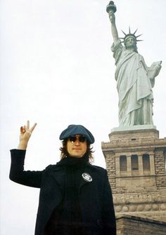 John Lennon spread peace all over the city in the 70's #JohnLennon #peace #StatueofLiberty #NYC #NewYork #TheBeatles