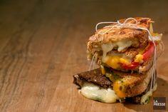 Nous étions à la recherche du meilleur grilled cheese et vous avez été nombreux à nous envoyer vos recettes. Voici donc le résultat de notre appel à tous.