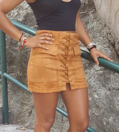 Jupe suèdée M NEUVE lacée. Petit M convient plutôt à un 36.  #jupe#suedee#lacee#tendance#fashion PAS D'ÉCHANGE NI DE RESER...