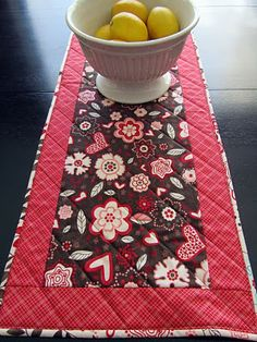valentine's table runner tutorial!