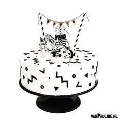 vanpauline (vanPauline) on Instagram 1st Birthday Foods, Baby Boy Birthday, Diy Birthday, Kids Party Themes, Party Ideas, Yellow Birthday, Baby Party, Pretty Cakes, Cake Creations