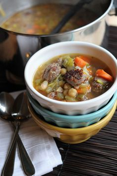 Sausage, Leek & White Bean Soup -- makes a BIG pot of soup to serve 10. Cook this for Phase 1, and enjoy the leftovers on Phase 3.