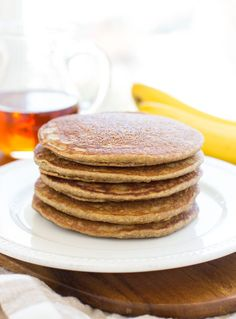 Banana Oatmeal Pancakes- this is my favorite healthy pancake recipe! They're naturally sweetened and take just 5 minutes to make in a blender!  #glutenfree