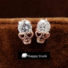 These skull diamond accent earrings from happy trunk are so awesome! Love them!
