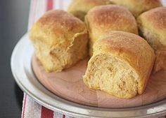 Pumpkin Pull-Apart Pan Rolls - Delicious rolls subtly flavored with pumpkin and pumpkin pie spice