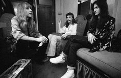 Guitarist Alex Lifeson, drummer Neil Peart and bassist Geddy Lee relax backstage at Hammersmith Odeon in London during the 'A Farewell To Kings' tour on February Get premium, high resolution news photos at Getty Images Rock And Roll Bands, Rock N Roll, Great Bands, Cool Bands, Rush Concert, A Farewell To Kings, Rush Band, Alex Lifeson, Temple
