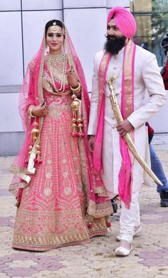 6 Things A Sikh Bride Can Carry Off Well And Prove To Be A Swagger 'Dulhan' wedding dresses punjabi bride 6 Things A Sikh Bride Can Carry Off Well And Prove To Be A Swagger 'Dulhan' Sikh Wedding Dress, Punjabi Wedding Couple, Indian Wedding Outfits, Bridal Outfits, Wedding Wear, Wedding Attire, Indian Outfits, Bridal Dresses, Punjabi Couple