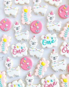 Cookies For Kids, Fancy Cookies, Cute Cookies, Royal Icing Cookies, Cupcake Cookies, Sugar Cookies, First Birthday Party Themes, Birthday Parties, Cookie Glaze