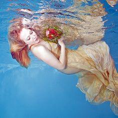 Unterwasser Mode Fotografie; Underwater fashion photography