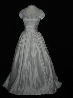 Modest wedding dress   Modest Wedding Dresses   Pinterest ...