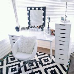 Dressing Table with feature lights. Love the geometric rug!