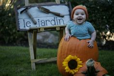 Fall baby picture idea