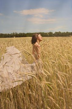 Untitled; Olya - Oil on Canvas, 2014|© Yigal Ozeri