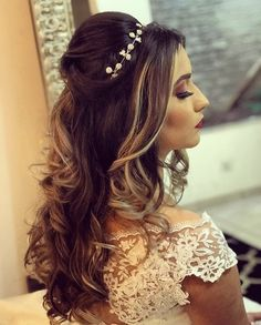 Pin by Pampered Chef with Lynne DeMarco on Wedding Hair & Make-up in 2019 Peinados ok Quince Hairstyles, Prom Hairstyles For Short Hair, Best Wedding Hairstyles, Bride Hairstyles, Simple Prom Hair, Quinceanera Hairstyles, Wedding Hair Inspiration, Pinterest Hair, Bridal Hair