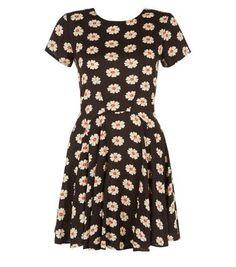 Black Daisy Print Dip Hem Skater Dress