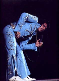 Elvis in concert in Long beach ( California ) in november 14 1972.