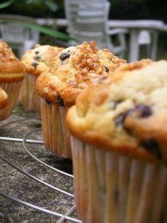 Muffins à la vanille, pépites de chocolat et noisettes caraméliser