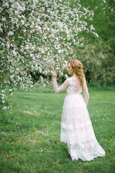 White Wedding Inspiration | Elena Pavlova Photo | Bridal Musings Wedding Blog 8