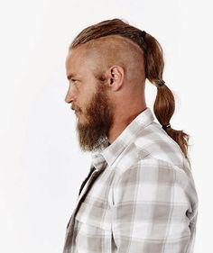 Travis Fimmel looks soooooo much better with the beard and hair!!! Mmm mmmm mmmm