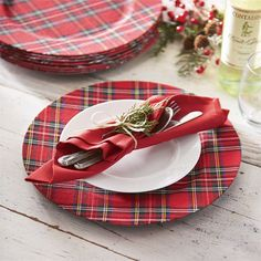 This is a cute red and white plaid Christmas Dinner Plates Mud Pie Christmas Dining Red Tartan Plaid Plate Charger Set of 4 Tartan Christmas, Christmas China, Christmas Dishes, All Things Christmas, Christmas Time, Xmas, England Christmas, Celtic Christmas, Christmas Dinnerware