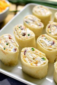 Bacon Cheddar Ranch Pinwheels are the perfect party food! Loa with bacon, cheddar cheese, and creamy ranch flavor, they're sure to become your new favorite party appetizer recipe! Pinwheel Appetizers, Bite Size Appetizers, Appetizers For Party, Appetizer Recipes, Pinwheel Recipes, Tapas, Wonton Cups, Eat Better, Cheese