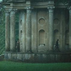 Buried deep in the beautiful greenery of Stourhead Garden is the Temple of Apollo, where Mr Darcy makes a confession to Elizabeth in the P&P film from 2005. This hauntingly beautiful and endlessly romantic spot in Wiltshire also facilitates weddings. / 16 Gorgeous Locations From Pride And Prejudice You Can Actually Visit