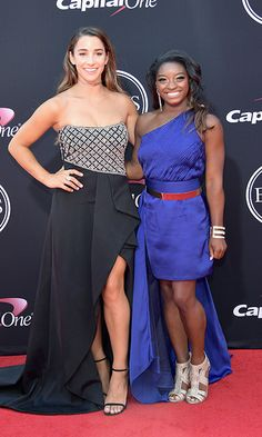 Olympic gymnasts Aly Raisman, left, and Simone Biles also joined in on the ESPYS excitement. Team Usa Gymnastics, Gymnastics Outfits, Olympic Gymnastics, Gymnastics Girls, Gymnastics Stuff, Gymnastics Pictures, Cheerleading, Aly Raisman Photos, Famous Gymnasts