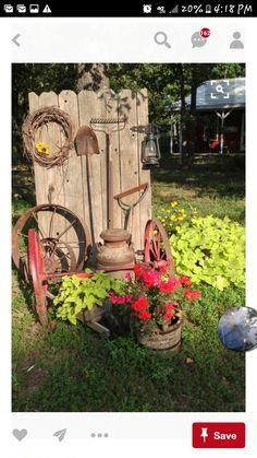 Charmant Garden Landscaping, Garden Fence Art, Rusty Garden, Garden Junk, Recycled  Garden,