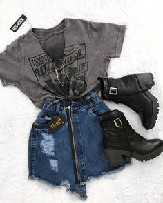 Graphic t-shirt with a short denim skirt with zip and black . - color Graphic t-shirt with a short denim skirt with zip and black STEP-BY-STE. Grunge Outfits, Teen Fashion Outfits, Winter Outfits, Summer Outfits, Fashion Clothes, Fashion Accessories, Fashion Shirts, Jeans Fashion, Swag Outfits